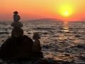 Pohled z Bristu na zapadající slunce nad ostrovem Hvar, Chorvatsko